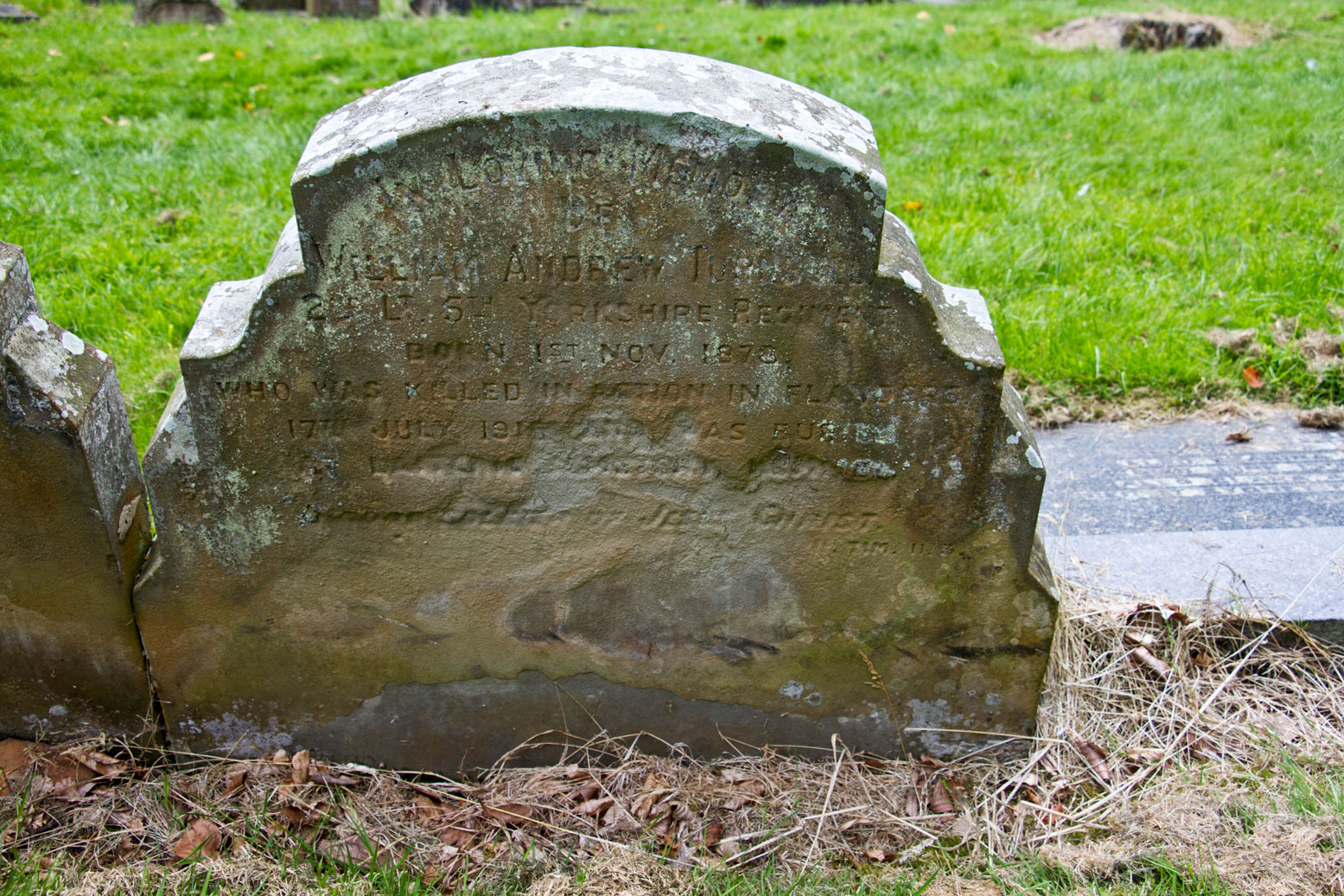 the yorkshire regiment ww1 remembrance war graves