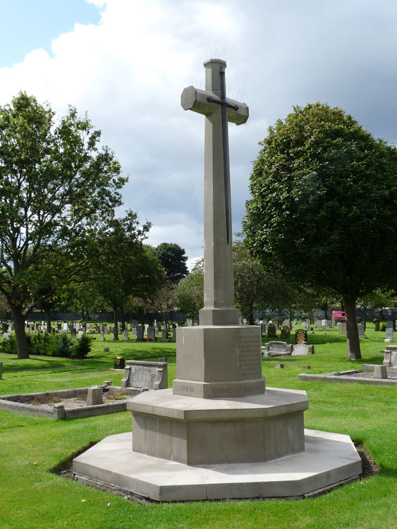 The Cross of Sacrifice in Tynemouth (Preston) Cemetery