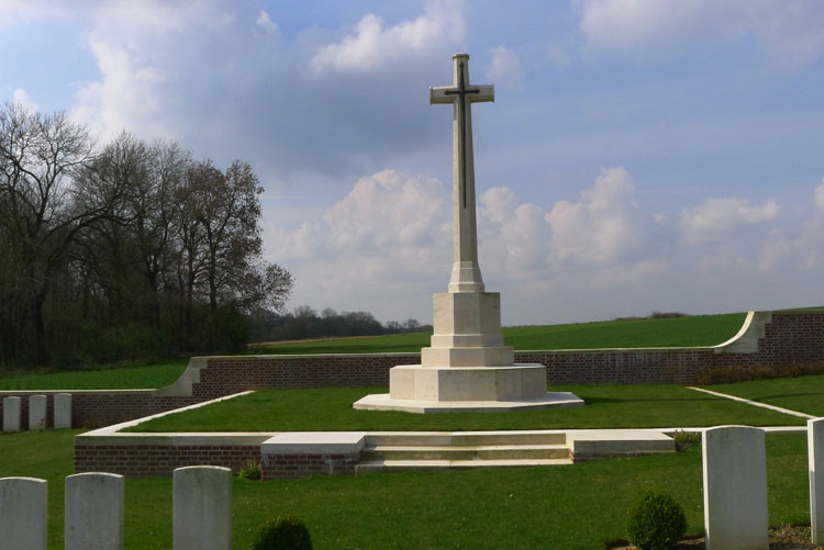 Lonsdale Cemetery, Authuille (2)