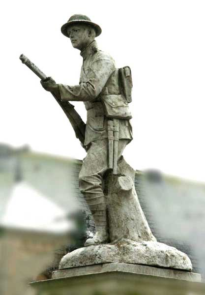 The sculpture of a First World War infantryman on top of the Tow Law War Memorial (April 2009)